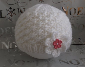 1 - 6 months white hat with beautiful pattern starry