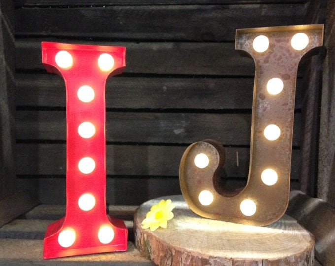Vintage Carnival Style Marquee Light, Light up Letter I - Battery Operated/Various Colours - Perfect Night Light/Gift/Wedding Decor