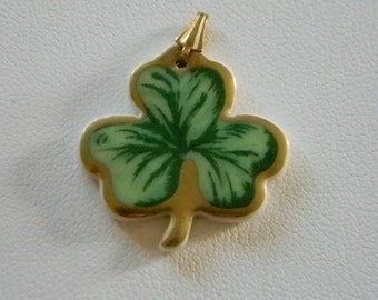 LONGABERGER Ceramic Gold Tone Green Shamrock Pendant Necklace