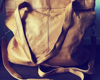 Handmade shoulder tote handbag purse. Shoulder straps and crossbody strap. Shoulder tote bag, leather tote. Fully lined, women's tote bag.