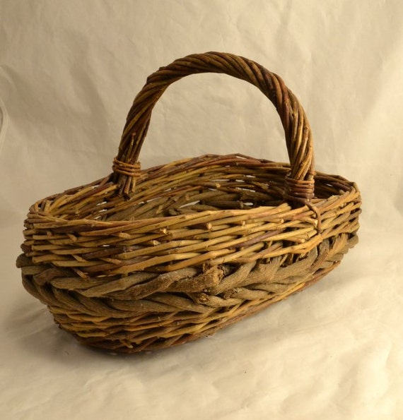 How To Weave A Basket Out Of Twigs : Woven twig basket natural branch rustic primitive gathering