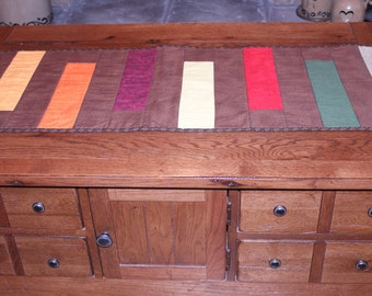 Plain and Simple Table Runner