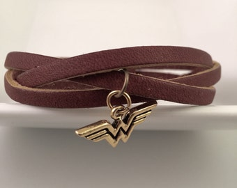 Wonder Woman leather bracelet, triple braid leather bracelet, supermom gift, wonder woman bracelet, Mothers Day Gift, Sister Gift, New Mom