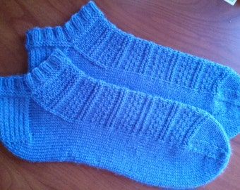 Hand Knit/Handmade Ladies/Men Ankle Socks Size Large Color Pale Blue Wonderful Pattern! Spring/Summer Socks So very Soft Machine washable