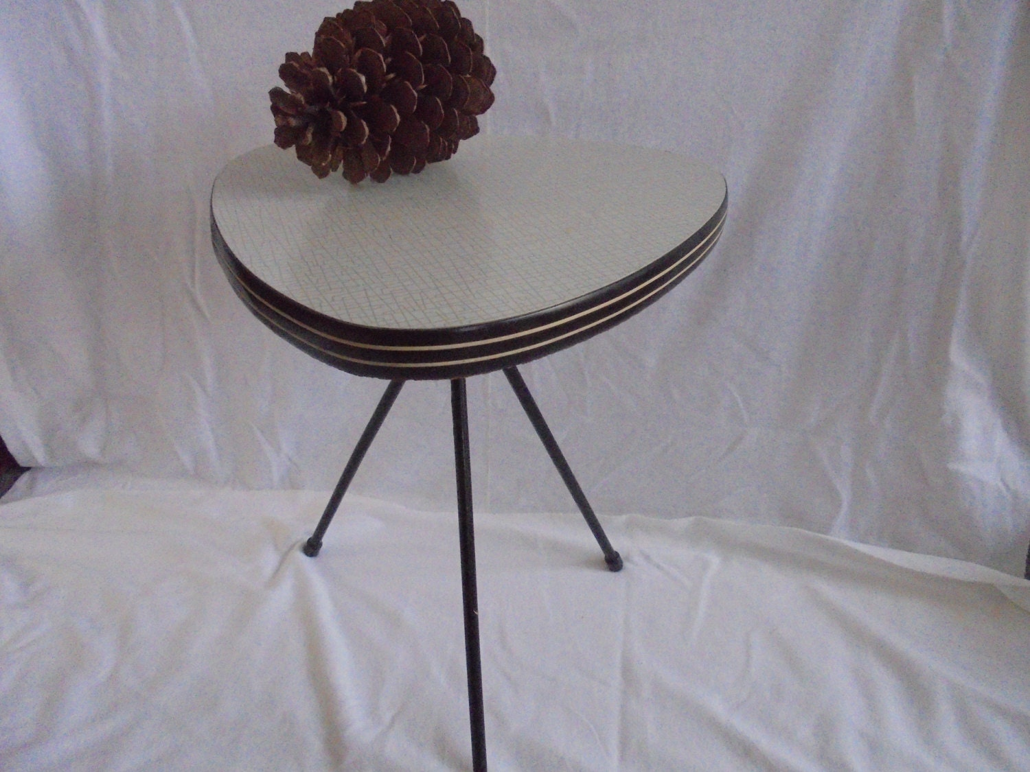 Scandinavian vintage three side table retro 50 60s site for Retro side table