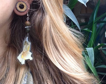 White Snap Dragon Flower Earrings