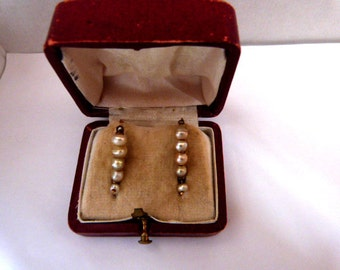 Early nineteenth century antique earrings made in 18k solid gold and natural pearls