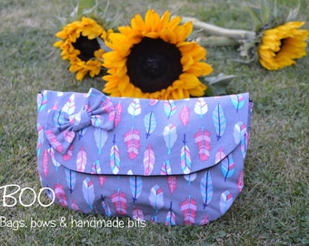 Feathers Summer Clutch, Make-Up Pouch & Bow Set