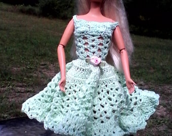 GREEN DRESS and hat, with pink rosebuds, for Barbie or other 11 inch dolls.