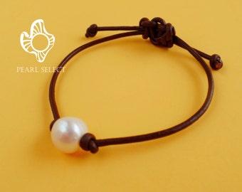 Leather pearl bracelet,pearl leather bracelet,pearl bracelet,leather bracelet,single pearl bracelet,black leather pearl bracelet,