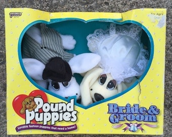Vintage Pound Puppies Bride & Groom wedding Galoob New In Box 1996