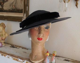 Elegant 1940's Navy Blue Faux Straw/Horsehair Tilt Hat