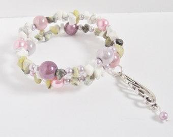 Howlite & Peridot Memory Wire Double Bracelet; Memory Wire Bracelet, Memory Wire Gemstone Bracelet