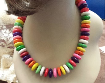 One strand beaded necklace with bright colors