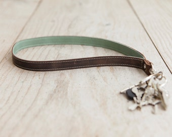 Keychain green/brown, handmade in Germany, high quality cow leather