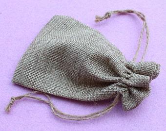 10pcs  wedding Jute Bag  Burlap Bag Gift Bag Linen Gift Bag Wedding Favor Pouches Drawstring Pouches Small Jewelry bags DZ0014- 10*15cm