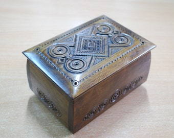 Wooden jewerly box Carved casket Wedding gift women Wood carving Idea for gift women