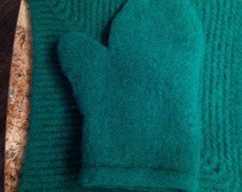 Felted oven mitt and hot pad.