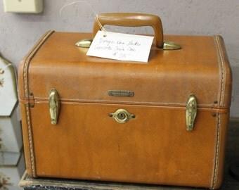 SOLD!!! Vintage Samsonite Brown Train Case