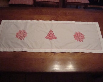 table runner or d white chest embroidery in red