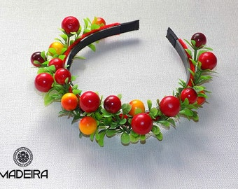 Hair band with berries