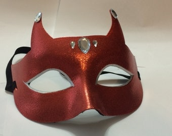 Red shining glittery devil boudior halloween mask, lovely and eye catching with rhinestones