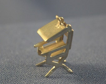 Folding Beach chair sterling silver charm