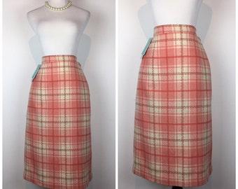 Vintage 50s skirt / 1950s skirt / 1960s skirt / Peach Pink Plaid skirt / wiggle skirt / Pencil Skirt C694