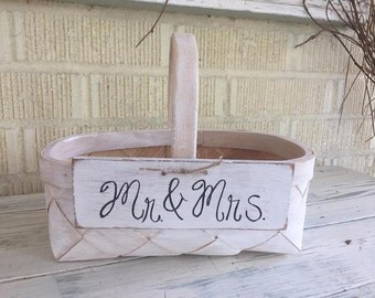 Rustic Flower Girl's Wedding Basket / Mr. and Mrs. Flower Basket / Simple Wedding Decor / Mr. and Mrs. Wedding Decoration