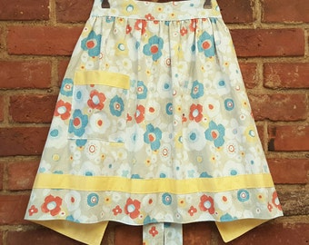 Retro Style Ladies Apron // Floral with Yellow Trim