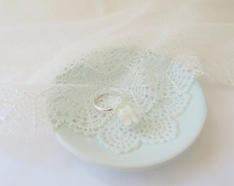 Ring of Glass Ball of Preseved White Hydrangea