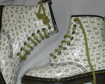 UK 6 ...White and grey mock croc Dr Martens boots EU 39