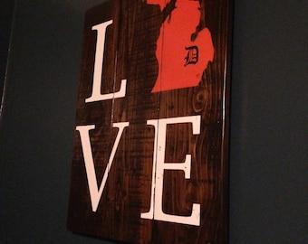 LOVE Detroit Tigers Sign