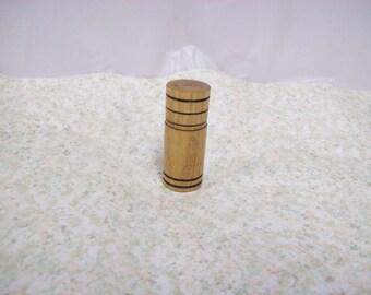 Pill box / capsule