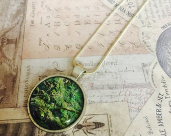 Beautiful handmade necklace, green foliage.