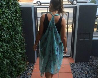 Ladies Pale Green Sleeveless Sheer Kimono