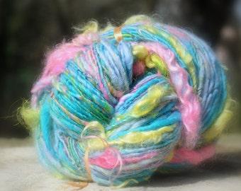 "Wool spun at the spinning wheel ""Looks South"""