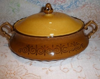 Metlox San Fernando Covered Veggie Bowl Vintage 1960's Vernon Ware Discontinued Serving Dining Replacement