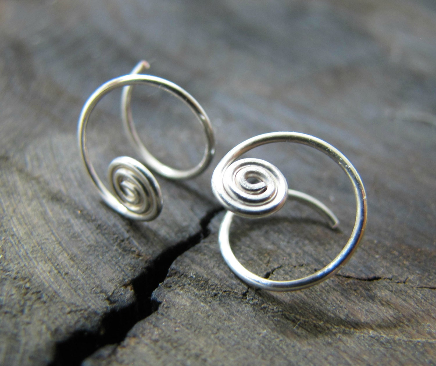 tiny spiral hoop earrings small silver hoops sterling silver. Black Bedroom Furniture Sets. Home Design Ideas