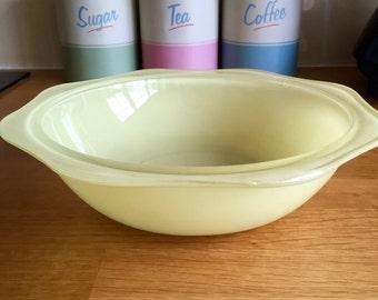 Vintage pyrex yellow scallop edge large bowl