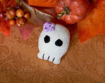 Halloween Skull With Lavender Rose Brooch: Cute Little Stylized Skull With Pin-Back