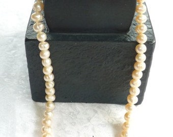 Set Freshwater Pearl Necklace and Earrings