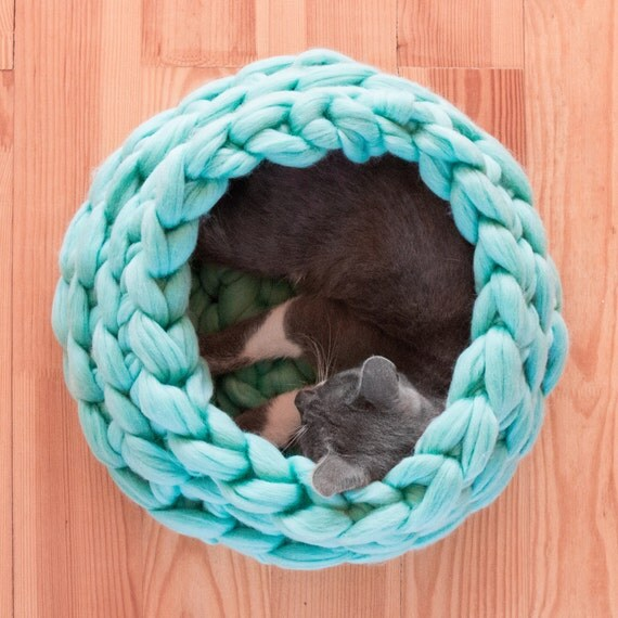 Items similar to SALE Cat House, Chunky Cat Bed, Chunky knitting, Cat furnitu...