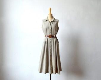 button down oatmeal cotton dress / size M-L / button down / pleated waist / pockets
