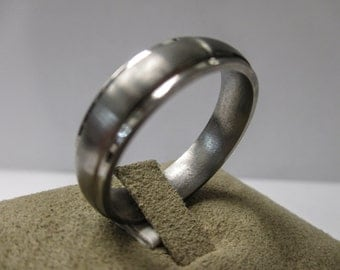 MEN'S Titanium Wedding Band Ring