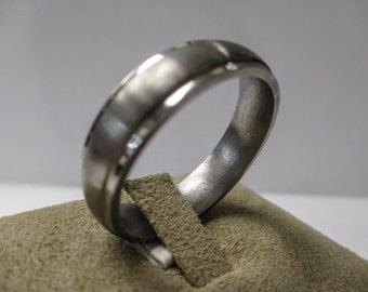 MEN'S Titanium Wedding Band Ring