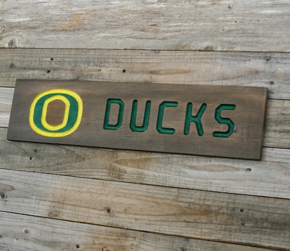 University of oregon ducks wood sign cedar by claricesattic for Reclaimed wood oregon
