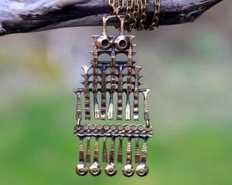 Vintage Pentti Sarpaneva, Finland. Bronze pendant owl, with chain.