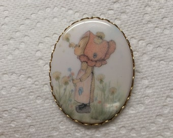 Vintage Goldtone Little Girl Pendant Pin/Brooch