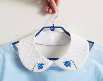 Embroidered Piter Pan collar with blue snowdrops